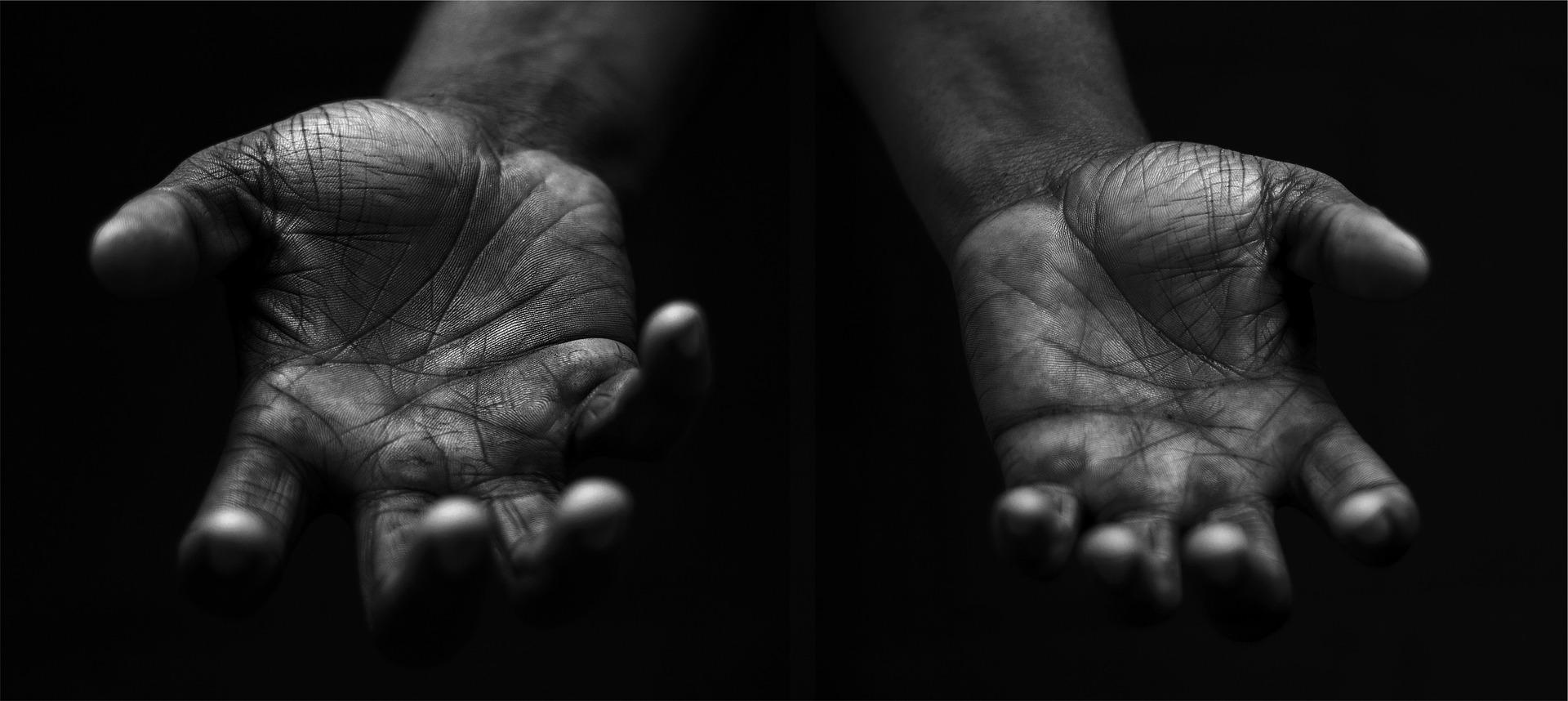 hands-698561_1920