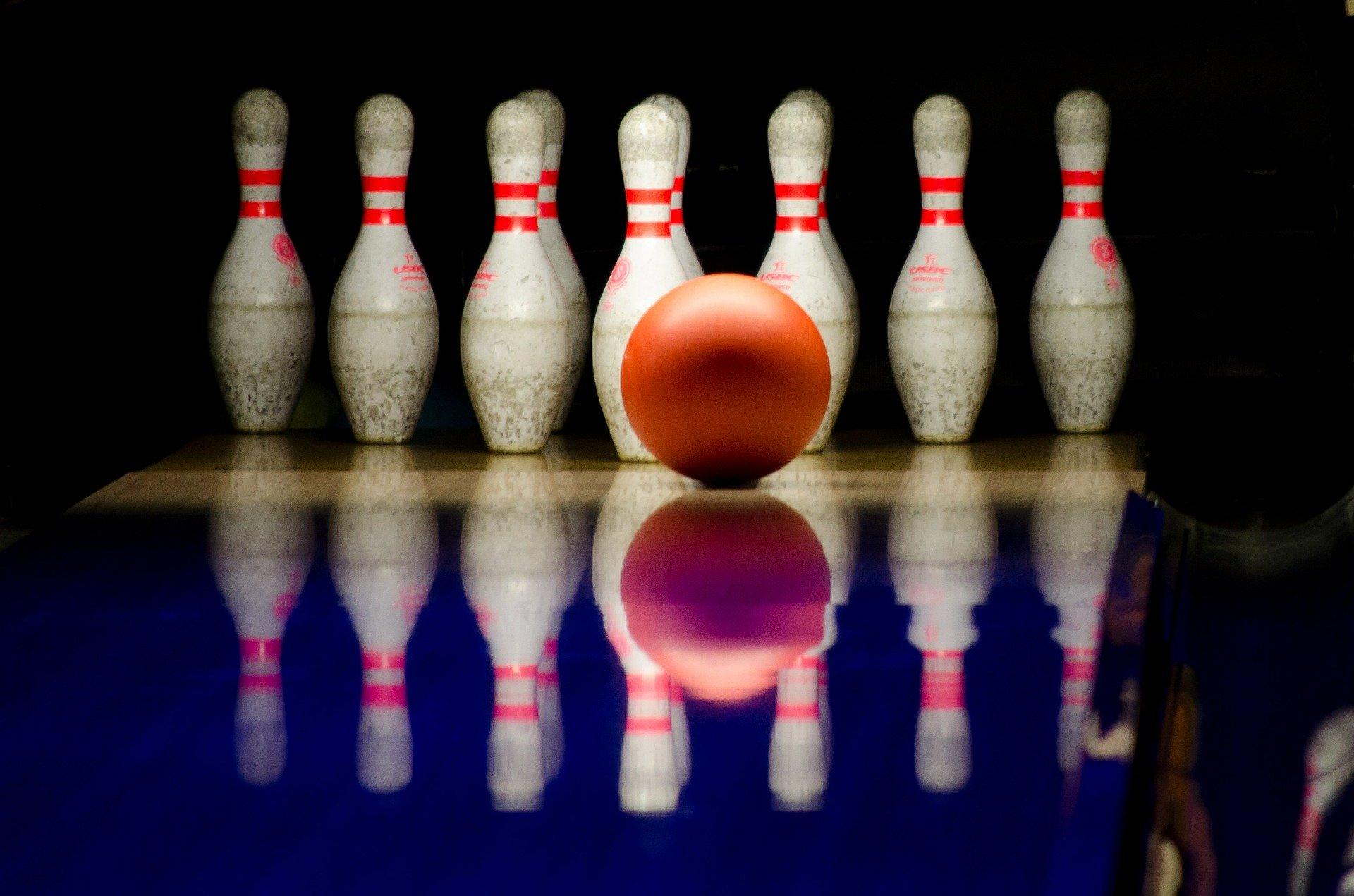 bowling-596766_1920
